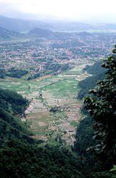 250px-Pokhara_nepal_valley_1999_web