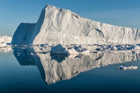 iceberg-from-jakobshavn-glacier-disko-bay